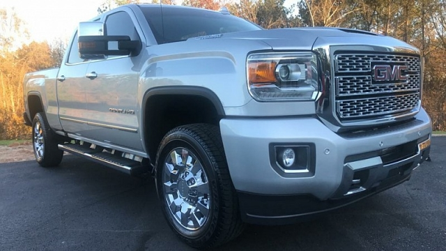 Used 2018  GMC Sierra 2500 4WD Crew Cab Denali at One Stop Auto Sales near Macon, GA
